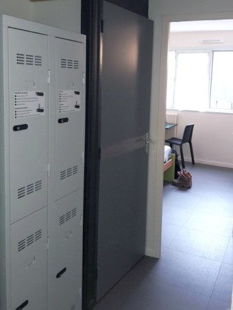 Auberge, casiers sécurisés